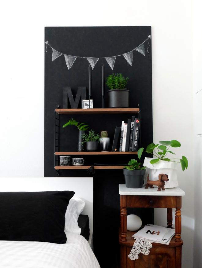 Die mobile Wand, DIY Regalwand, Upcycling Holzplatte, Türblatt wiederverwenden, selber Möbel bauen, Regal Idee, flexible Regallösung