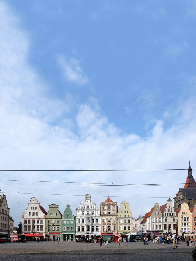 Reisen in Deutschland, Urlaub in Deutschland, Mecklenburg Vorpommern, Shoppingtipps und Cafetipps in Wismar, Uni Rostock, Bad Doberan, Warnemünde, Ostsee, Pornobrunnen, Teepott, Architektur, Minza will Sommer
