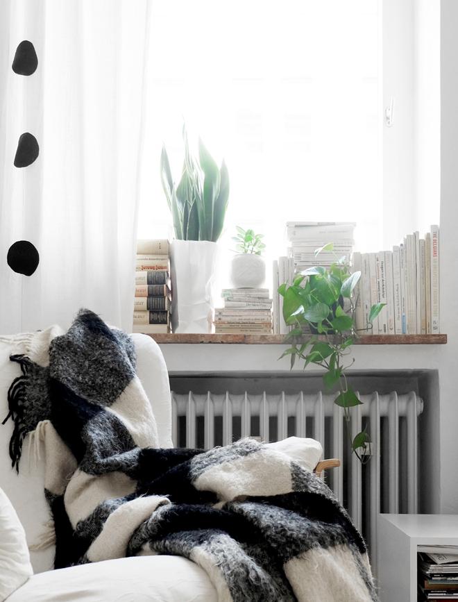nachhaltig einrichten, wohnen mit kleinem budget, vintage living, sustainable lifestyle, Alternative Bücherregal, Leseplatz
