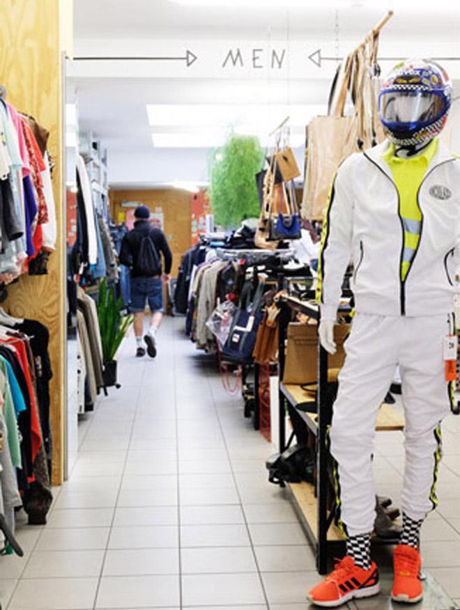 Nachhaltiger Kleiderschrank, Secondhand in Köln